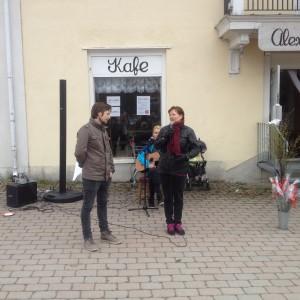 Ulla Diedrichsen berättar för Johan Stolpen om varför Vänsterpartiet är det enda alternativet.